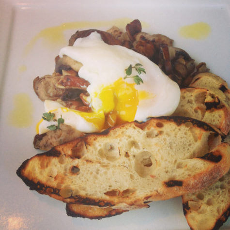 Toast, mushrooms, and eggs at the Spruce Point Inn